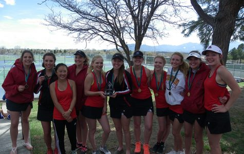 Women's Tennis Wins Against Palmer, Takes District Title