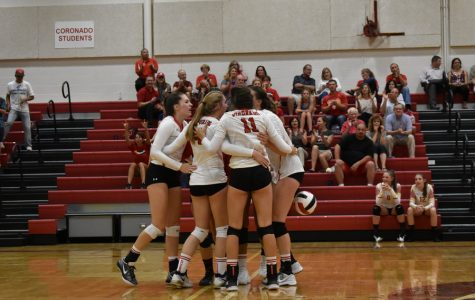 Cougars triunfan a Eagles en 3-0