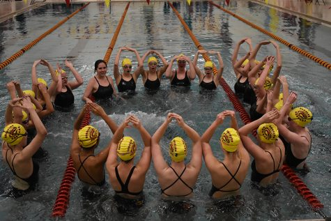 Swim Ends Season Smoothly