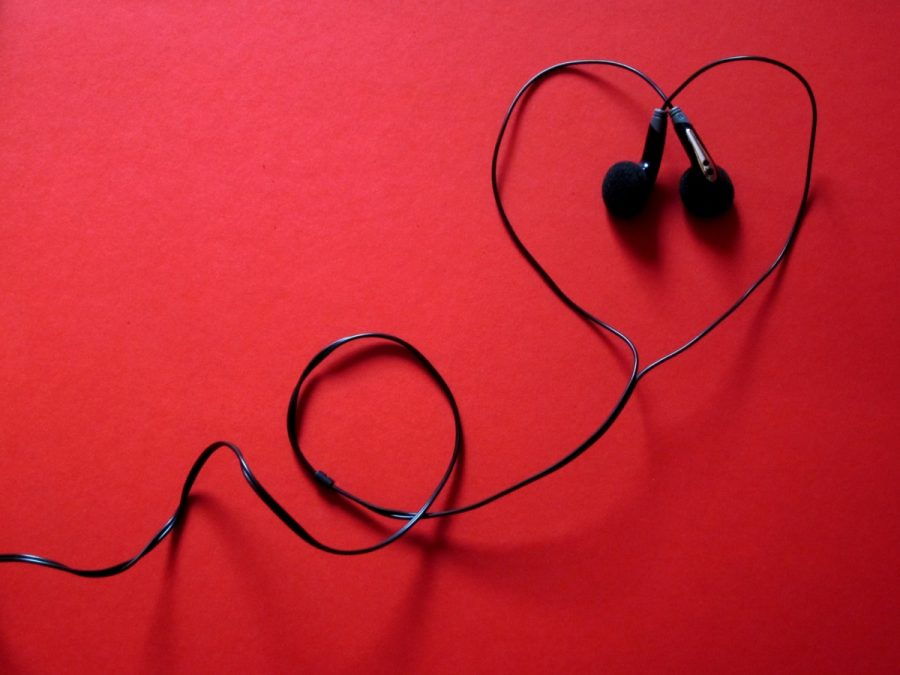 Celebrate+Valentine%27s+Day+With+This+%22Lovely%22+Playlist