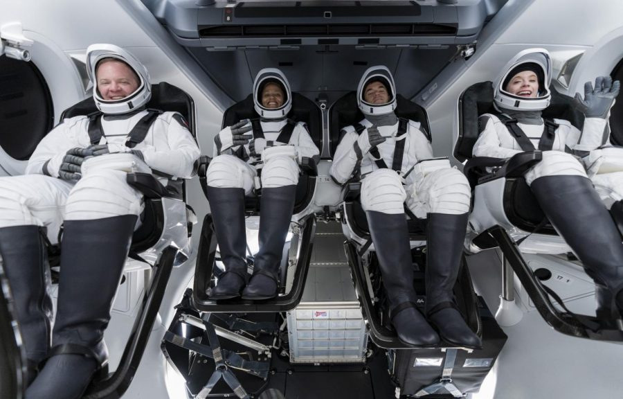 The+Inspiration4+Crew+wearing+their+new+high-pressure+suits+as+they+return+to+Earth
